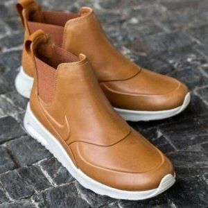 Women's Nike Air Max Thea Mid Sneaker boot